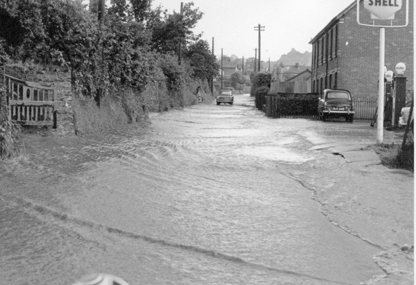 1963 floods- Station road-1