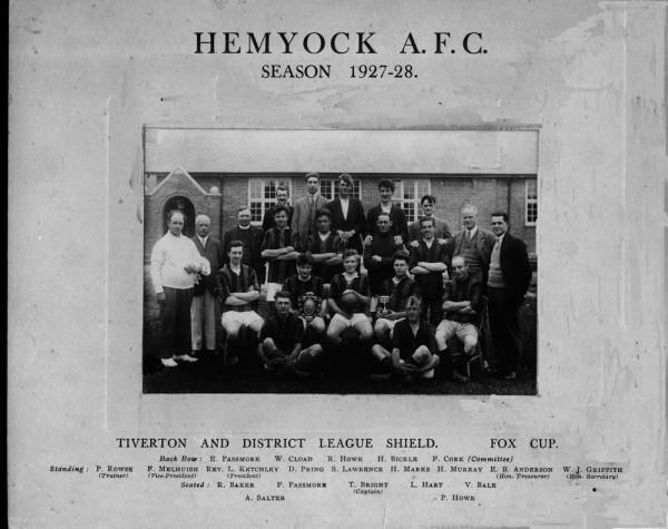 1927-footballteam-1