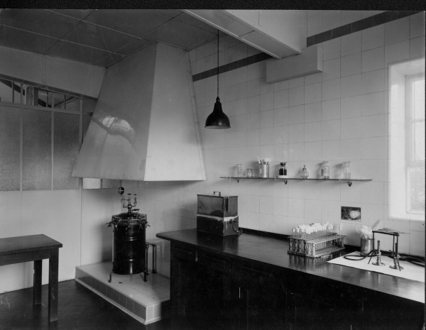 Unigate laboratory 2.-1
