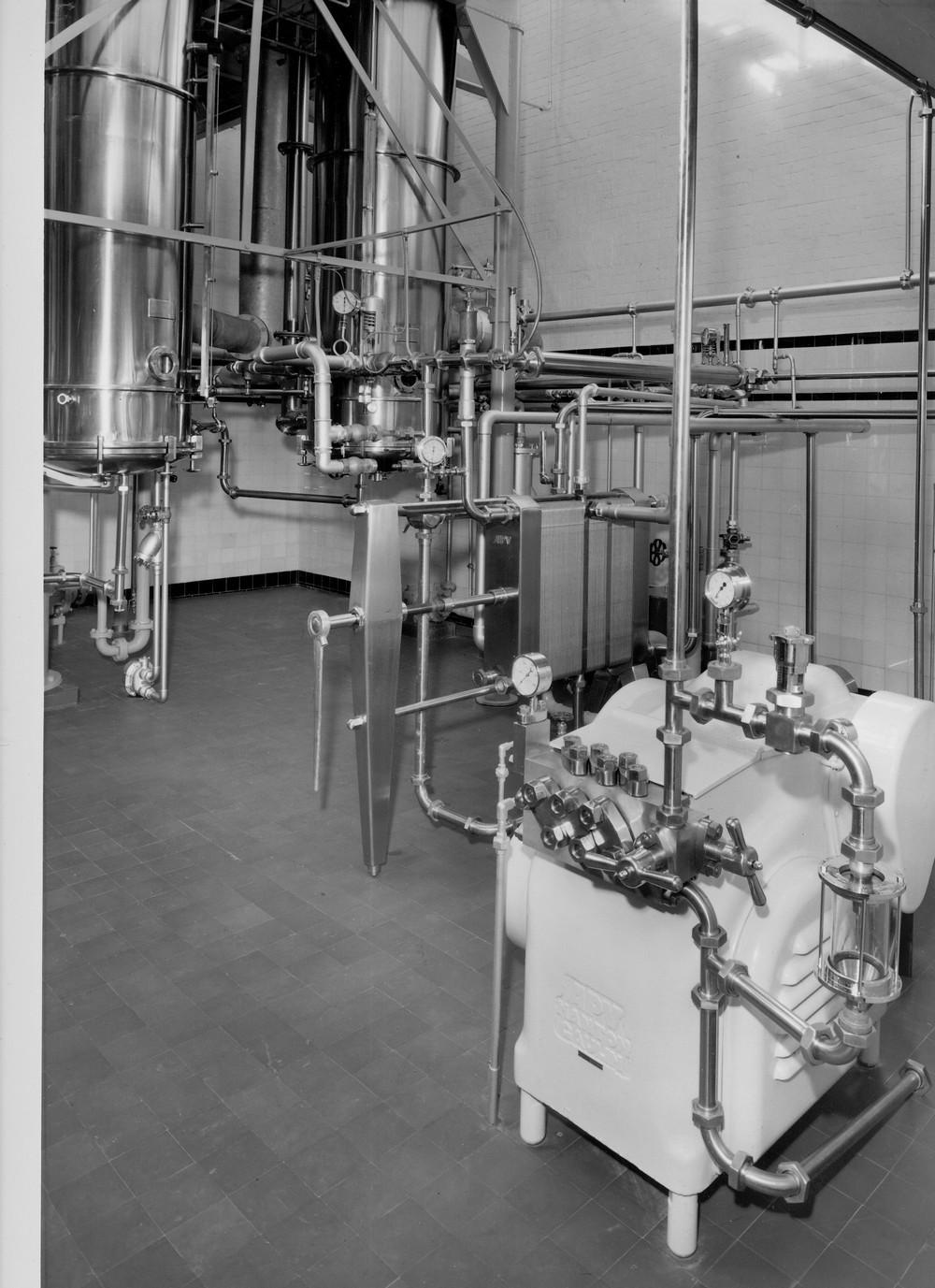 Hemyock milk factory. Powder drying machinery.-1