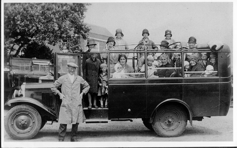 redwoods buses 1900-1a